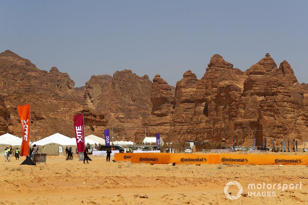 Vista del pitlane del Desert XPrix