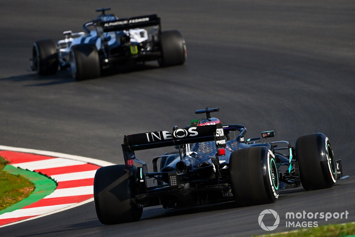 Daniil Kvyat, AlphaTauri AT01, Lewis Hamilton, Mercedes F1 W11