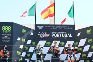 Pedro Acosta, Red Bull KTM Ajo, Dennis Foggia, Leopard Racing, Andrea Migno, Rivacold Snipers Team on the podium
