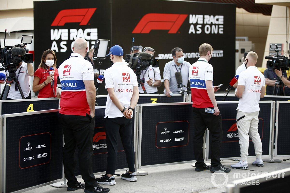 Mick Schumacher, Haas VF-21 y Nikita Mazepin, Haas VF-21