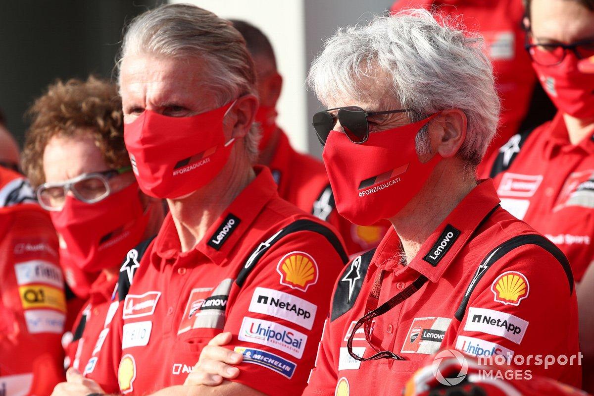 Paolo Ciabatti, Director Deportivo de Ducati Corse, Gigi Dall'Igna, Director General del Equipo Ducati