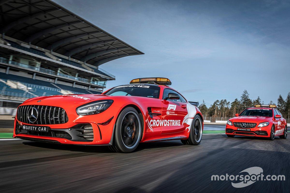 El Safety Car (coche de seguridad) de la F1, Mercedes-AMG GT R, y el coche médico de la F1, el Mercedes-AMG C 63 S Estate
