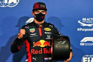 Max Verstappen, Red Bull Racing, with the Pole Position Award