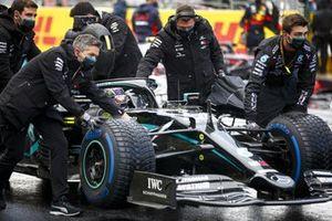 Lewis Hamilton, Mercedes F1 W11 on the grid