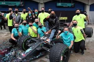 Lewis Hamilton, Mercedes-AMG F1, celebrates with his team after securing his 7th world championship title