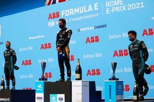 Podio: segundo lugar Sam Bird, Jaguar Racing, ganador de la carrera Jean-Eric Vergne, DS Techeetah Jean-Eric Vergne, DS Techeetah, y tercer lugar, Mitch Evans, Jaguar Racing
