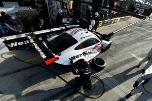 #79 WeatherTech Racing Porsche 911 RSR - 19, GTLM: Pit Stop, Cooper MacNeil, Richard Lietz, Kevin Estre, Gianmaria Bruni