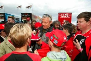 Peter Brock signs autographs for fans