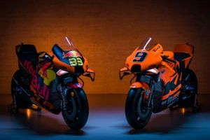 Motos de Red Bull KTM Factory Racing y KTM Tech 3