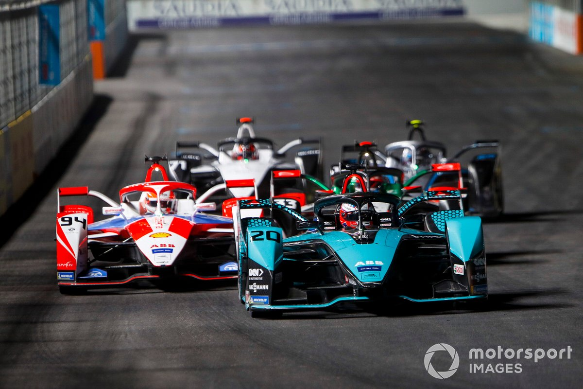 Mitch Evans, Panasonic Jaguar Racing, Jaguar I-Type 5, leads Alex Lynn, Mahindra Racing, M7Electro, Rene Rast, Audi Sport ABT Schaeffler, Audi e-tron FE07, Nyck de Vries, Mercedes Benz EQ, EQ Silver Arrow 02, and Norman Nato, Venturi Racing, Silver Arrow