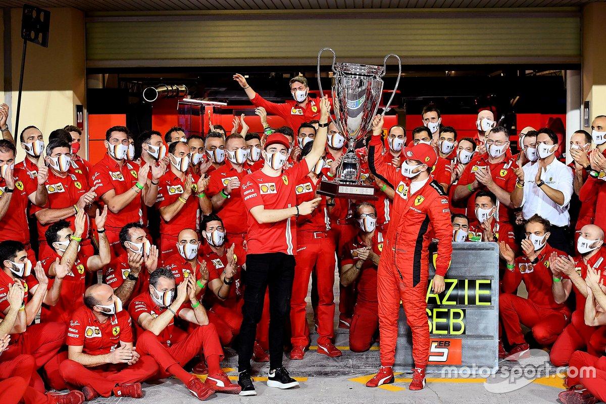 Sebastian Vettel, Ferrari y Charles Leclerc, Ferrari con el equipo