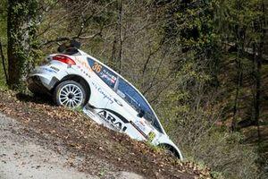 Crash: Hiroki Arai, Ju?rgen Heigl, Stohl Racing Ford Fiesta Rally 2