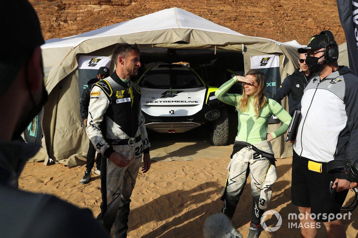 Jenson Button, JBXE Extreme-E Team, y Mikaela Ahlin-Kottulinsky, JBXE Extreme-E Team