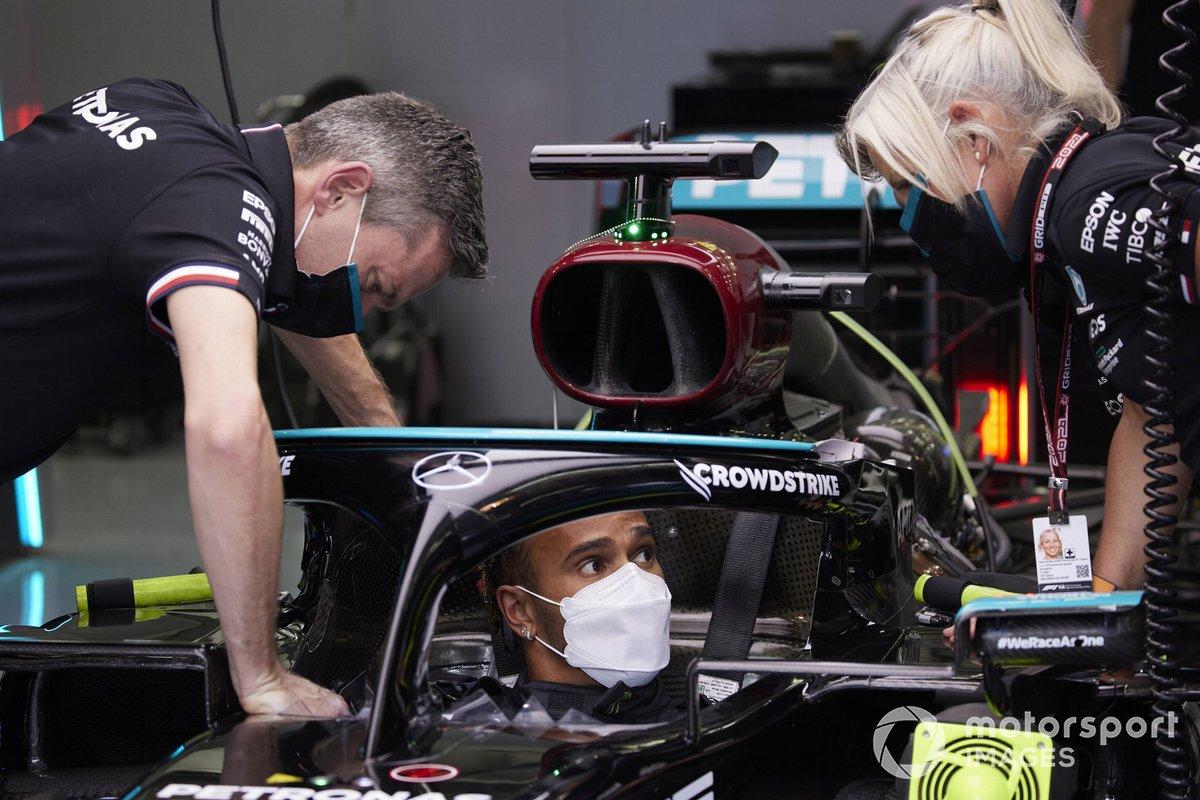 Sir Lewis Hamilton, Mercedes, nell'abitacolo