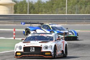 #31 Team Parker Racing, Bentley Continental GT3: Derek Pierce, Euan McKay, Andrew Meyrick