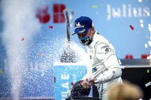 Stoffel Vandoorne, Mercedes-Benz EQ, 1st position, sprays the Champagne