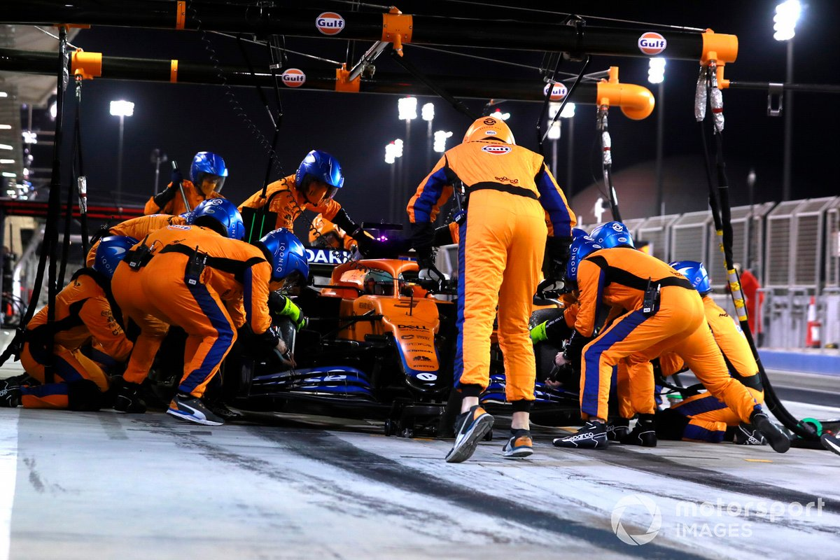 13. Daniel Ricciardo, McLaren MCL35M: 173 vueltas (935,476 km)
