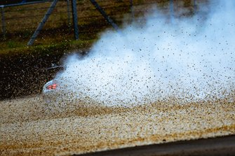 Авария #88 Dempsey Proton Competition Porsche 911 RSR: Маттео Кайроли, Джорджо Рода, Сатоши Хошино