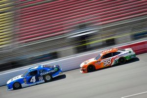 Ross Chastain, JD Motorsports, Chevrolet Camaro Contec, Chase Briscoe, Stewart-Haas Racing, Ford Mustang Nutri Chomps/Blain's Farm & Fleet