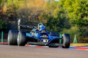 Une Lotus 87B au Grand Prix de France Historique