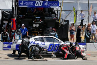 Cole Custer, Stewart-Haas Racing, Ford Mustang Jacob Companies pit stop