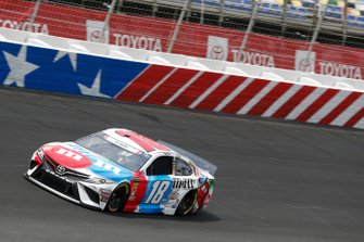 Kyle Busch, Joe Gibbs Racing, Toyota Camry M&M's Red, White & Blue