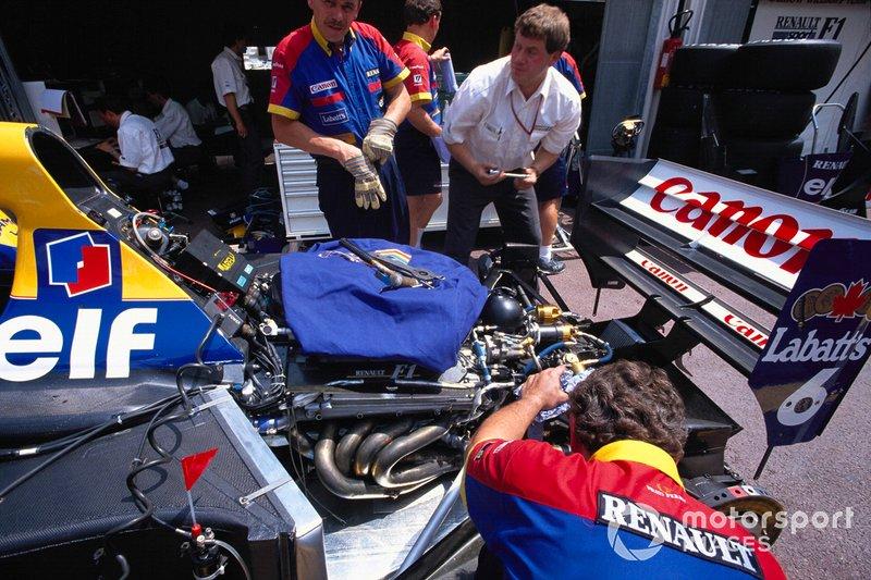 1994: Roupas anti-chama para os mecânicos