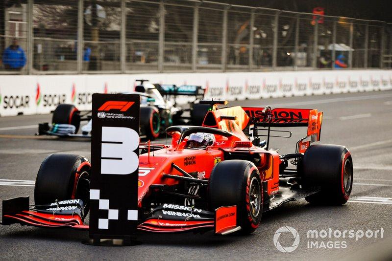 Sebastian Vettel, Ferrari SF90, parcheggia dopo le Qualifiche