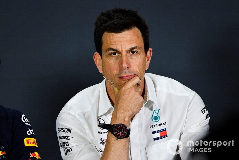 Toto Wolff, Direttore Esecutivo (Business), Mercedes AMG, durante la conferenza stampa dei Team Principal