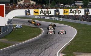 Winner Ayrton Senna, McLaren MP4/5 inside Alain Prost, McLaren MP4/5