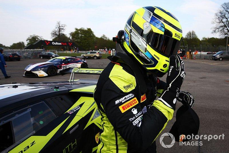 #69 Barwell Motorsport Lamborghini Huracan GT3 EVO: Sam De Haan