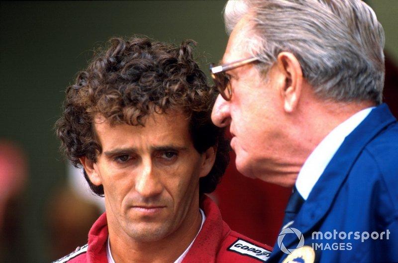 Alain Prost, McLaren, discute avec le président de la FIA Jean-Marie Balestre