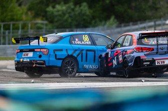 Yann Ehrlacher, Cyan Racing, Lynk & Co 03 TCR, colpito da Gabriele Tarquini, BRC Racing Team, Hyundai i30 N TCR