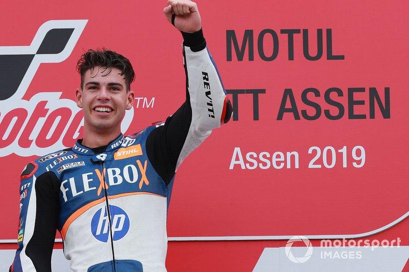 Podio: il vincitore della gara Augusto Fernandez, Pons HP40