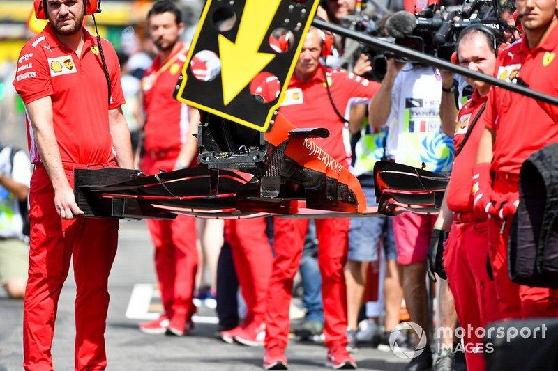 Mecánica Ferrari con alerón delantero