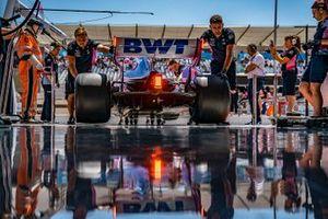 Sergio Perez, Racing Point RP19, è tornato in garage