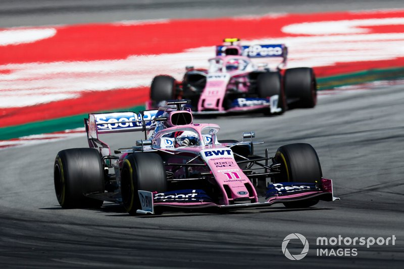 Sergio Perez, Racing Point RP19, precede Lance Stroll, Racing Point RP19