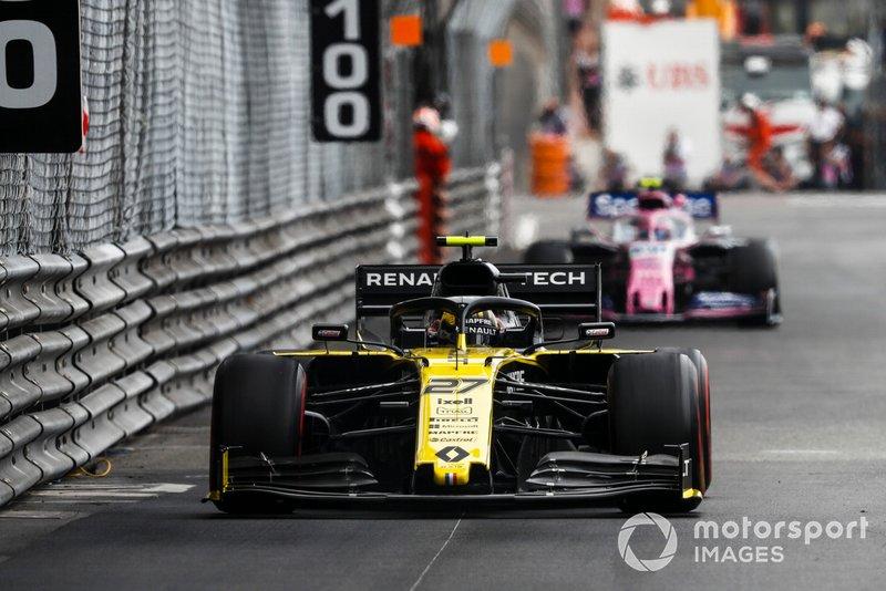 Nico Hulkenberg, Renault R.S. 19, y Lance Stroll, Racing Point RP19
