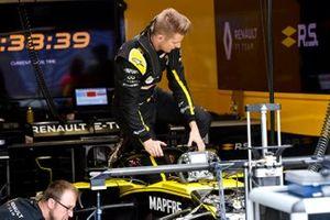 Nico Hulkenberg, Renault R.S. 19 nella sua cabina di pilotaggio