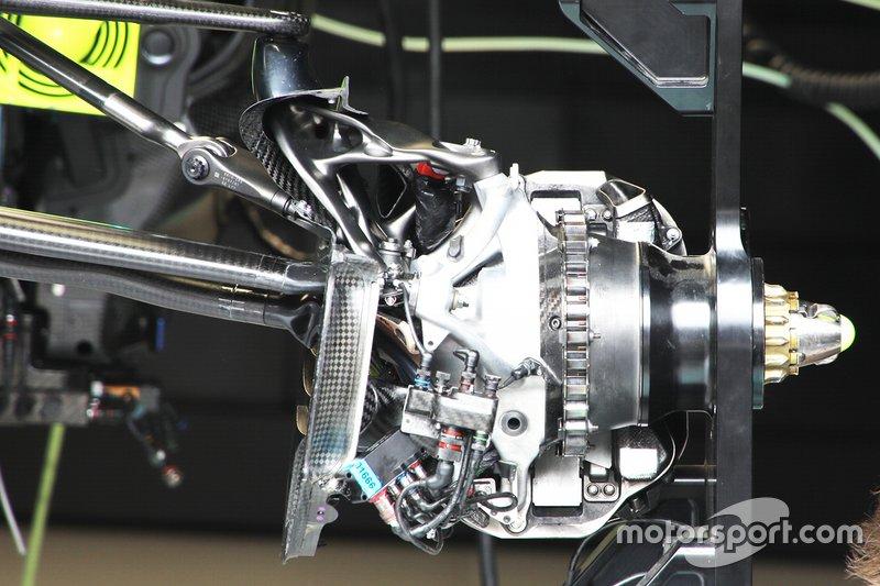 Mercedes W10: Bremsanlage