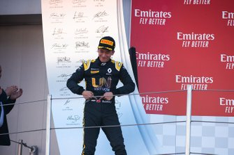 Podium: third place Guanyu Zhou, Uni Virtuosi Racing