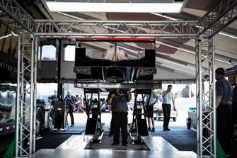 #7 Acura Team Penske Acura DPi, DPi: Helio Castroneves, Ricky Taylor, tech inspection