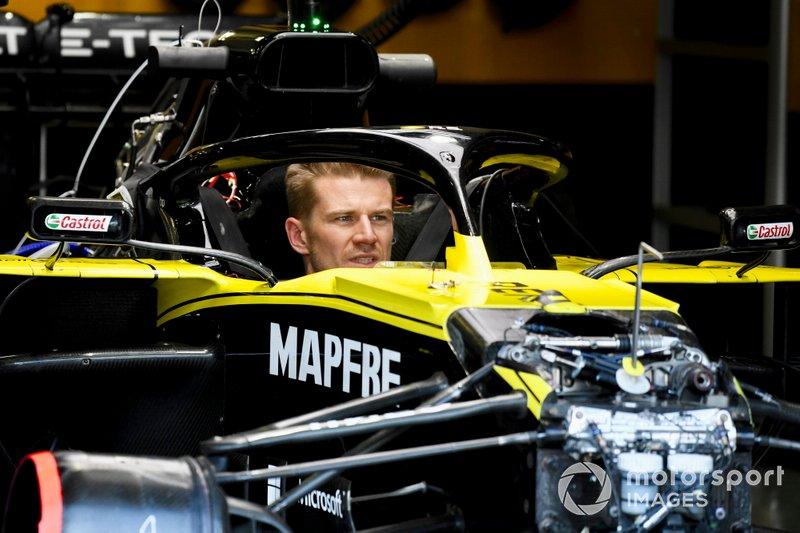 Nico Hulkenberg, Renault F1 Team R.S. 19, nell'abitacolo della sua monoposto