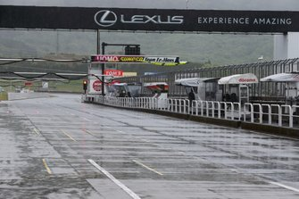 Rain over the pitlane