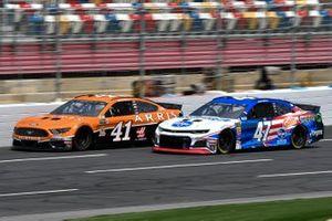 Daniel Suarez, Stewart-Haas Racing, Ford Mustang ARRIS, Ryan Preece, JTG Daugherty Racing, Chevrolet Camaro Kroger