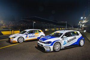 #29 GWR Australia, Michael Almond, Hyundai I30N,, #35 Alliance Autosport, Alexandra Whitley, Volkswagen Golf GTI
