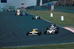 Nigel Mansell, Williams FW10 leads the field