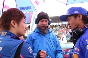 大嶋和也、脇阪寿一監督(#6 WAKO'S 4CR LC500)