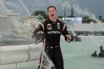 Josef Newgarden, Team Penske Chevrolet se mete en en la Fuente Scott