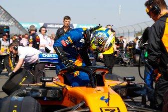 Lando Norris, McLaren, sur la grille